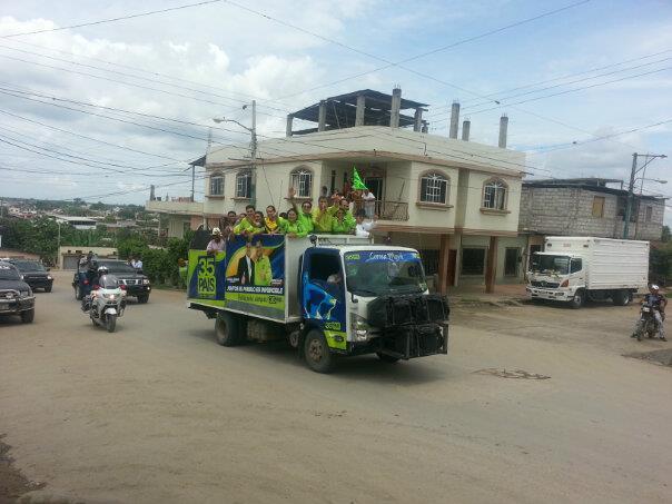 Cantón Arenillas, caravana motorizada.